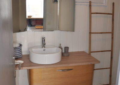 le cabanon location à mimizan vue salle de bain